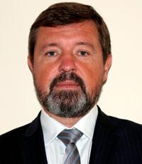 Переводчик в Мелёне с высшим историческим и инженерно-техническим образованием.