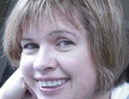 Interpreter and translator in Melbourne, Australia - Russian, English. From 60 € per hour or 450 € per day.