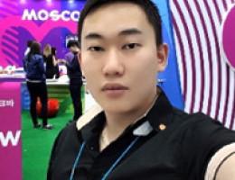 Traduttore di ampia specializzazione per ospiti di lingua russa