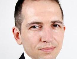 Traductor experimentado en Bonn con educación económica y técnica superior.