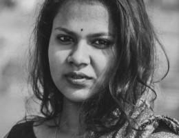 unna hindi tamil sinhala vietnamien anglais russe interprète traducteur Langues de travail: hindi, tamoul, cinghalais, vietnamien, anglais, russe.